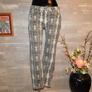 GUESS 1981 Brittney Skinny Snake Skin Print Jeans